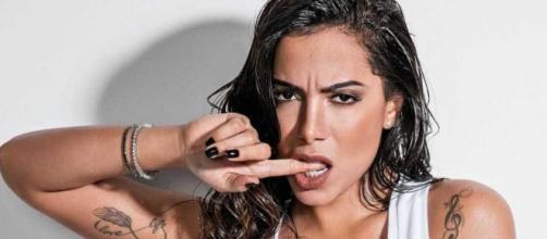 Anitta deu entrevista bombástica a Leo Dias. (Arquivo Blasting News)