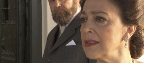 Anticipazioni Il Segreto, puntate spagnole: Donna Francisca torna a Puente Viejo per riprendersi la villa