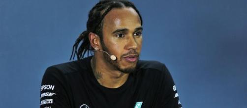 Hamilton: 'Ferrari? Potrei cambiare qualcosa in meglio, ma non è un'opzione per il futuro'