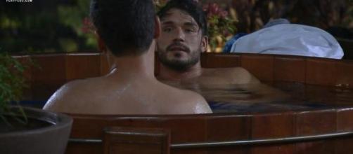 Viny e Guilherme aconselham Lucas sobre Hariany. (Reprodução/Record TV)