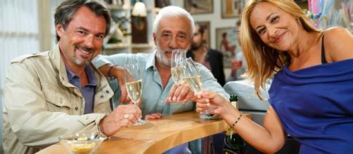 Anticipazioni Un posto al sole: il padre di Maurizio minaccia Michele e Arianna