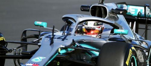 Lewis Hamilton in gara in Messico