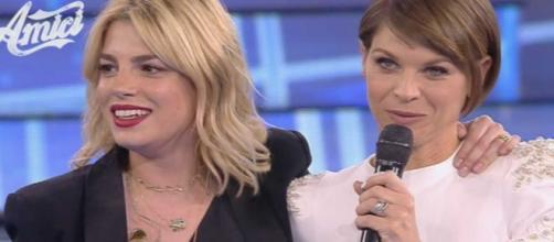 Alessandra Amoroso aggiorna i fan sulla salute di Emma Marrone: 'Riposa e torna più forte'.