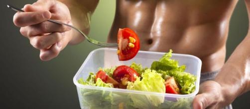 Aprender a alimentarse con dietas balanceadas es una prioridad para los deportistas. - deportesaludable.com