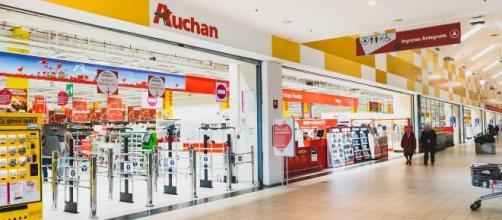 Passaggio da Auchan a Conad: 12mila dipendenti rischiano di perdere il lavoro.