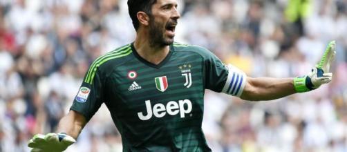 Buffon:'Non amo idolatria, rincoglionisce; Messi è Federer, Cristiano Ronaldo come Nadal'