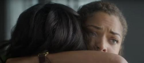 "Dr. Claire Brown (Antonia Thomas) takes love and comfort from her mother in October 7'S episode of ""The Good Doctor."" [Image source:ABC-YouTube]"