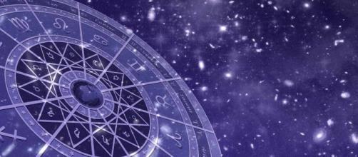 Oroscopo domani 12 ottobre classifica 'top flop': ordine per Sagittario, Gemelli a dieta