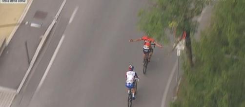 Vincenzo Nibali dopo l'errore di percorso alla Tre Valli Varesine.