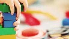 5 dicas para ensinar a criança a guardar os brinquedos