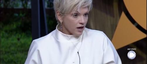 Andréa Nóbrega chama Lucas de 'bebezão'. (Reprodução/Record TV)