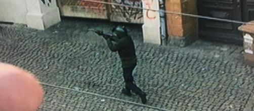 Attentato ad Halle, attentatore in fuga - Rainews24