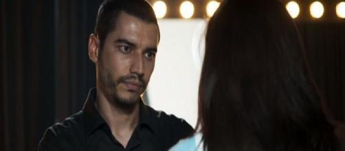 Camilo ofende a sogra e a chama de ridícula. (Reprodução/TV Globo)