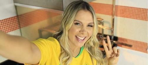 """Carla Perez ficou famosa como dançarina do grupo """"É O Tcham"""" (Reprodução/Instagram@carlaperezcpx)"""