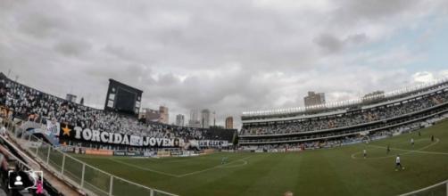 Jogo entre Santos e Palmeiras terá transmissão em TV aberta. (Reprodução/Instagram/@santosfc)
