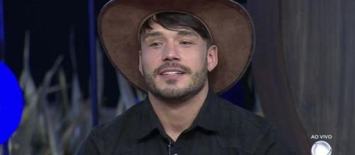 Lucas não gostou de interferência de Jorge Sousa em 'A Fazenda 11'. (Reprodução/Record TV)