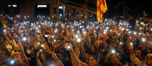 El Banco de España advierte del impacto en la economía del conflicto catalán.