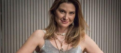 """Em """"Bom sucesso"""", Natasha revela a Paloma que Marcos é apaixonado por ela. (Divulgação/Rede Globo)"""