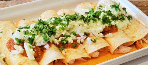 Enchiladas de pollo mexicanas, uno de los mejores platos tradicionales del país azteca. - revistatodolochic.com