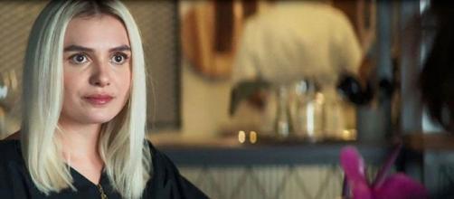 Kim tem seu segredo revelado em 'A Dona do Pedaço'. (Reprodução/TV Globo)