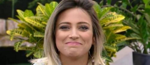 Tati Dias, participante de 'A Fazenda', provocou a peoa eliminada. (Reprodução/Record TV)
