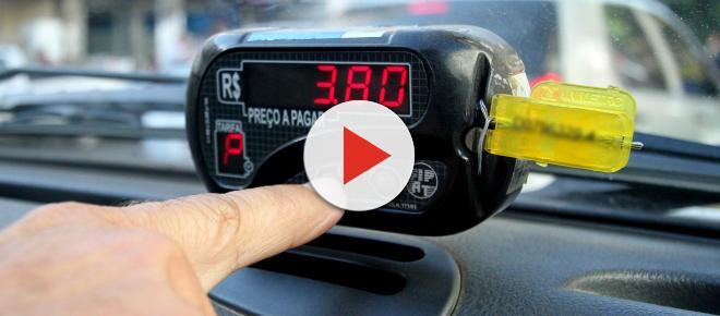 Implantação da bandeira 3 para táxis de São Paulo gera discussão e apreensão