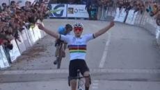 Ciclocross, Mathieu Van der Poel vince gli Europei: 'Mi aspettavo di meglio'