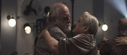 Antero recupera memória, e recorda que ama Marlene. (Reprodução/TV Globo)