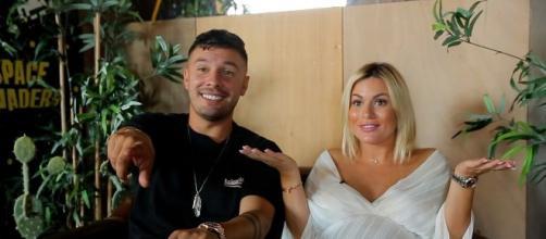 Les Marseillais VS le Monde 4 : Carla et Kevin balancent sur les ... - ohmymag.com