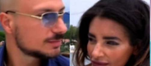 Silvia Tirado e Gabriele Pippo potrebbero essere in crisi, lei: 'Non tollero l'ipocrisia'.