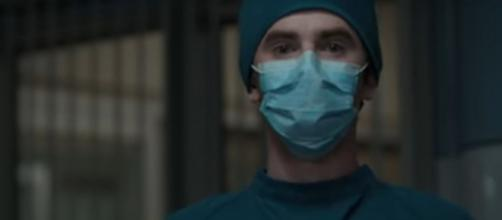 Dr, Murphy (Freddie Highmore) relates his personal story to reach a young patent on 'The Good Doctor.' [Image source: ABC/YouTube]