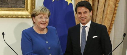 L'incontro tra Conte e Merkel criticato sui social