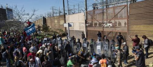Usa e migranti, bocciata la dichiarazione di emergenza per il muro.