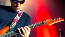 Joe Satriani torna in Italia con cinque concerti: il primo il 12 maggio a Firenze