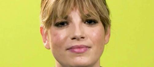 Emma Marrone rimprovera i fan per la protesta su Twitter contro Spotify: 'Placatevi'.