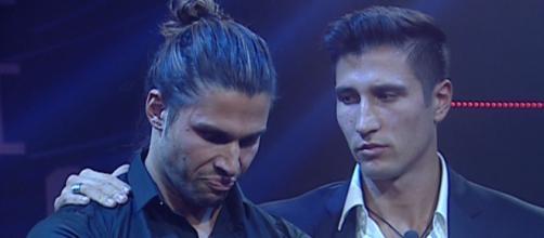 GH Vip, il conduttore chiede scusa agli Onestini, Luca replica: 'Apprezzo'.