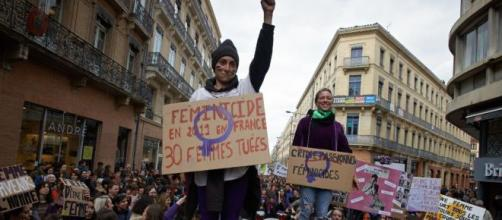 Manifestations en France contre les Féminicides