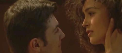 Spoiler Il Segreto: Prudencio e Lola si baciano.