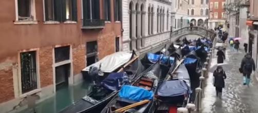 Venice is flooded by the highest tides since 1960s. [Image source/Guardian News YouTube video]