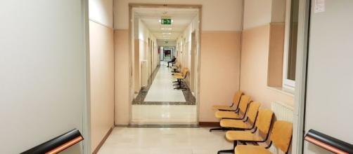 Foggia, medico dell'ospedale di Manfredonia arrestato per presunti abusi sulle pazienti