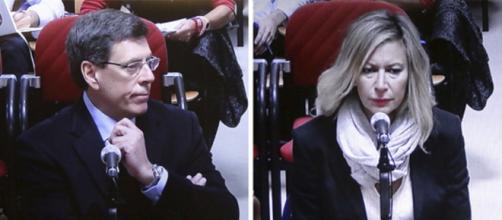 Juan Carlos Quer y Diana López-Pinel, en los juzgados de Santiago / El Mundo