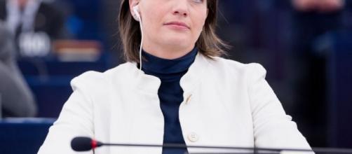 Milano, arrestata l'europarlamentare Lara Comi