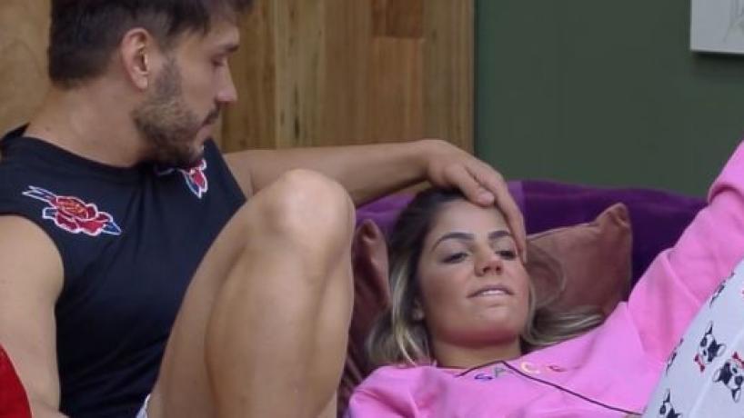 'Hariany e Lucas se reconciliam em meio a desculpas e promessas
