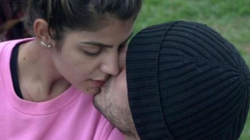 'A Fazenda 11': Hariany e Lucas se beijam e fazem acordos para melhorar o relacionamento