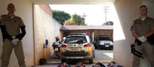 Ladrão de calcinhas é detido por Policias. (Polícia Militar/Divulgação)