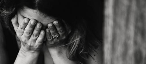 Le fléau des féminicides a besoin de l'aide de tous et toutes. Credit: Pexels