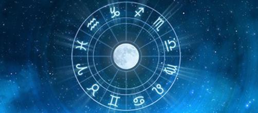 Previsioni astrali di domenica 17 novembre: novità per Scorpione e Sagittario