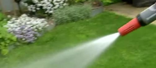 Sydney could face Level 2 water restrictions before Christmas. [Image source/7NEWS Australia YouTube video]