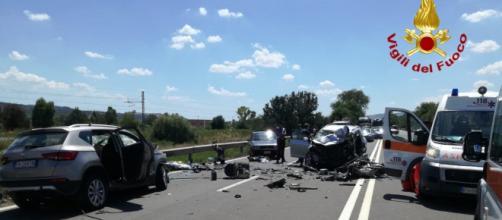 Tragico incidente stradale: muoiono madre e figlia. (foto di repertorio)