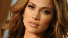 Jennifer López asegura que un director le pidió que le enseñara el pecho